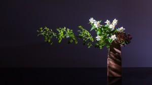 """Workshop Flowering Branches Ikebana Demonstration Arrangement by Ilse Beunen. Photography: Ben Huybrechts Vase: Sabine Turpeinen"""