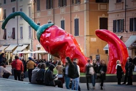 Giuseppe Carta_The Red Giant_Pietrasanta Orti della Germinazione_regia Alberto Bartalini_foto di Tiziano Canu_allrightsreserved